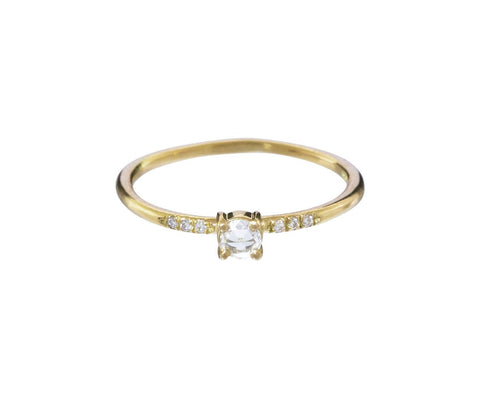 Little Pronged Diamond Solitaire - TWISTonline