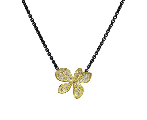 Diamond Hydrangea Pendant Necklace - TWISTonline