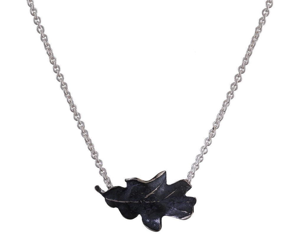 Silver Oak Leaf Pendant Necklace - TWISTonline