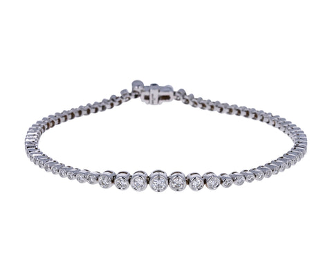 Graduated White Gold Diamond Prive Tennis Bracelet
