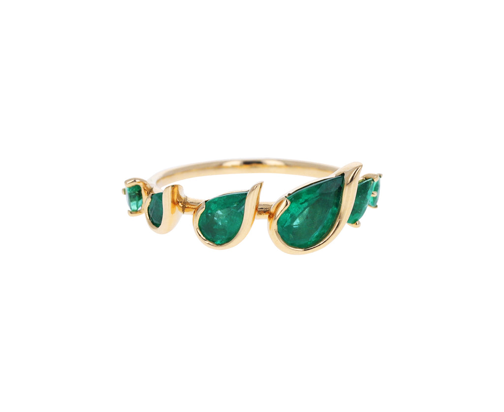 Emerald Flicker Ring