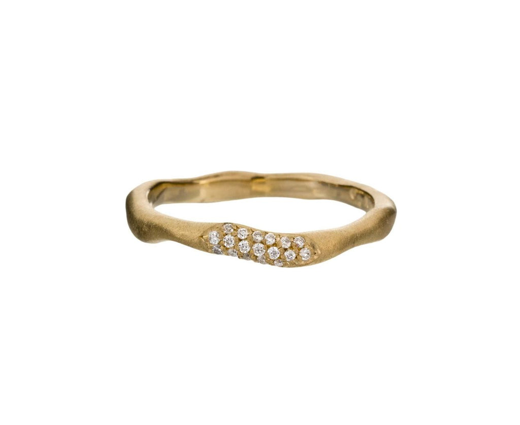 Gold Wavy Stacking Ring with Diamond Pavé - TWISTonline