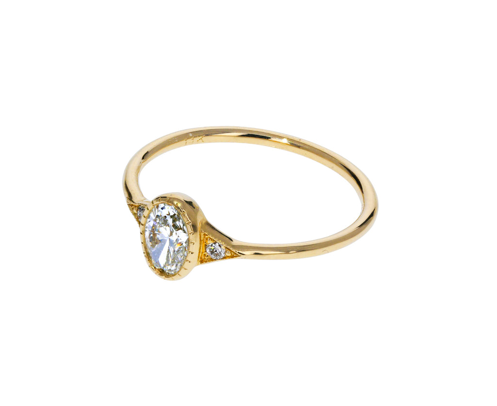 Oval Diamond Deco Ring - TWISTonline