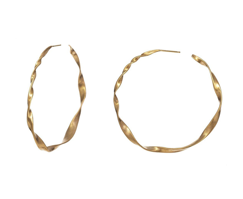 Twisted Gold Hoops zoom 1_nicole_landaw_gold_twisted_hoop_earrings