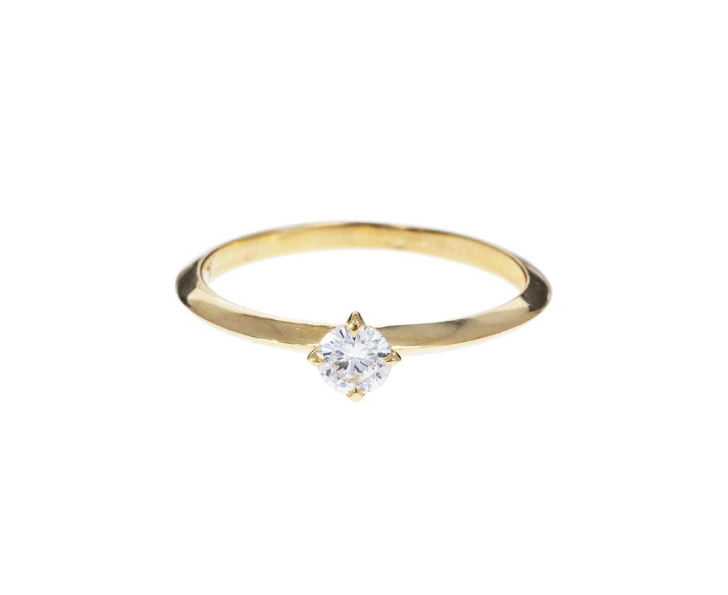 Knife Edge Round Diamond Solitaire - TWISTonline