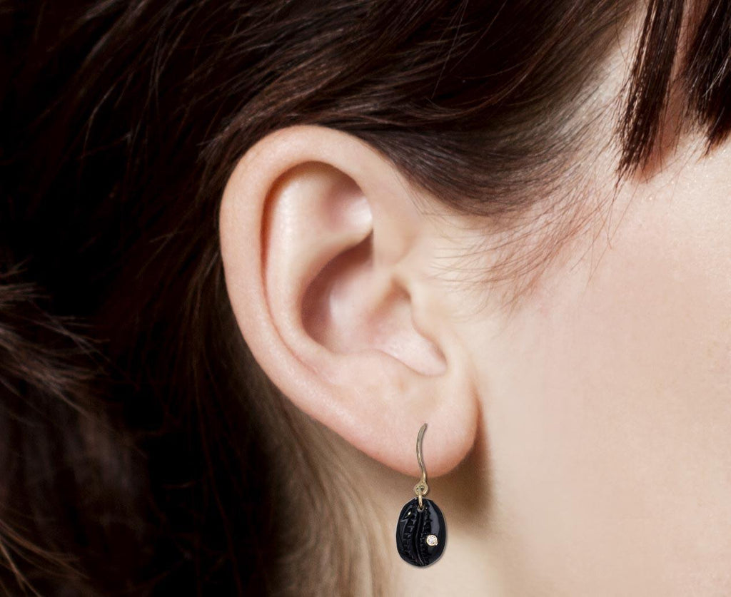 Onyx and Diamond Cauri N°2 Earrings - TWISTonline
