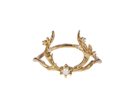 White Guardian Pearl Ring - TWISTonline