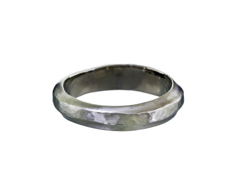 Men's Wavy Hammered Band - TWISTonline