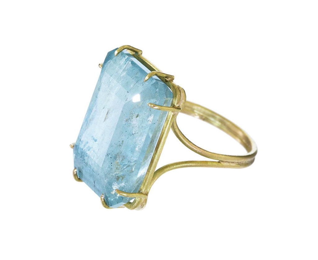 Aquamarine Ring zoom 2_rosanne_pugliese_gold_aquamarine_ring