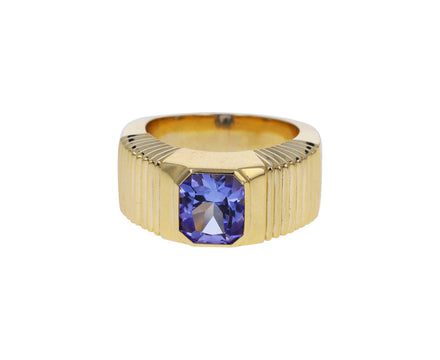 Tanzanite Pleated Solitaire Band