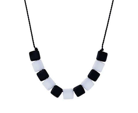 Black and White Square Bead Necklace - TWISTonline