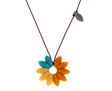 Neutral Flower Pendant Necklace