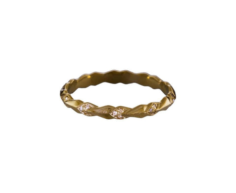 Tiny Sheaves Diamond Pavé Band - TWISTonline