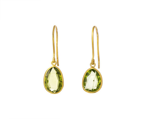 Peridot Colette Earrings zoom 1_pippa_small_peridot_small_collette_earrings