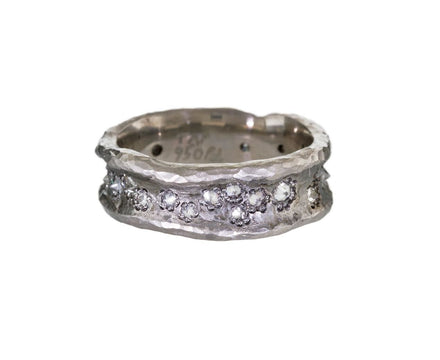 Hammered Concave Band with Inverted Diamonds - TWISTonline