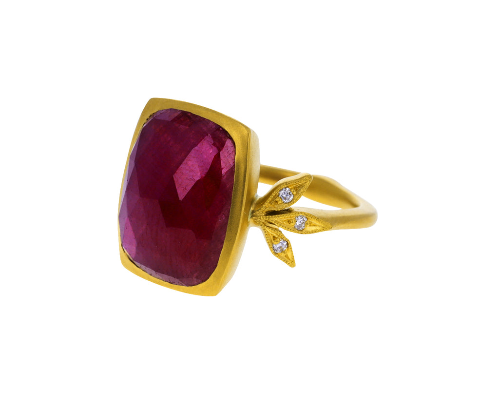Ruby Moderne Ring