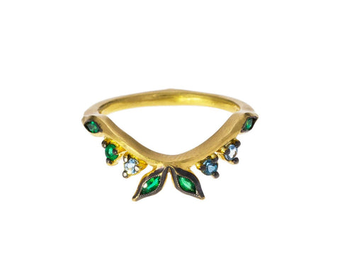 Emerald Garland Crown Ring zoom 1_cathy_waterman_gold_emerald_garland_crown_ring