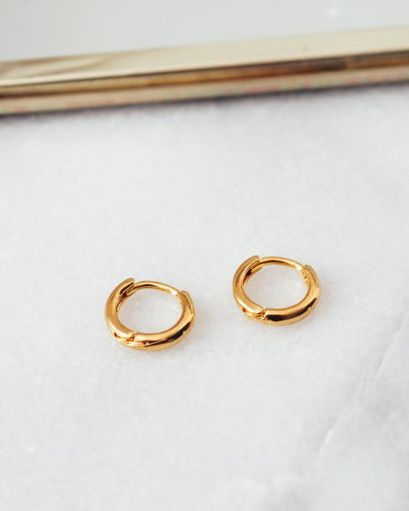 gold hoop huggies - poppy & rose clothing