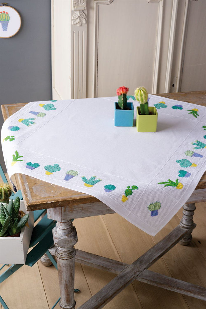 Cross Stitch: Tablecloth: Cactuses