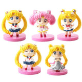 5 piece set of Sailor Moon keychain and figures