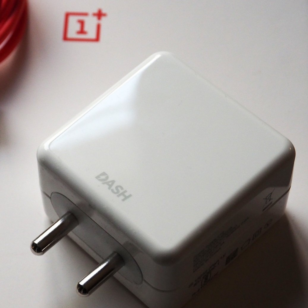 Original OnePlus Dash Power Adapter & Type-C USB Cable