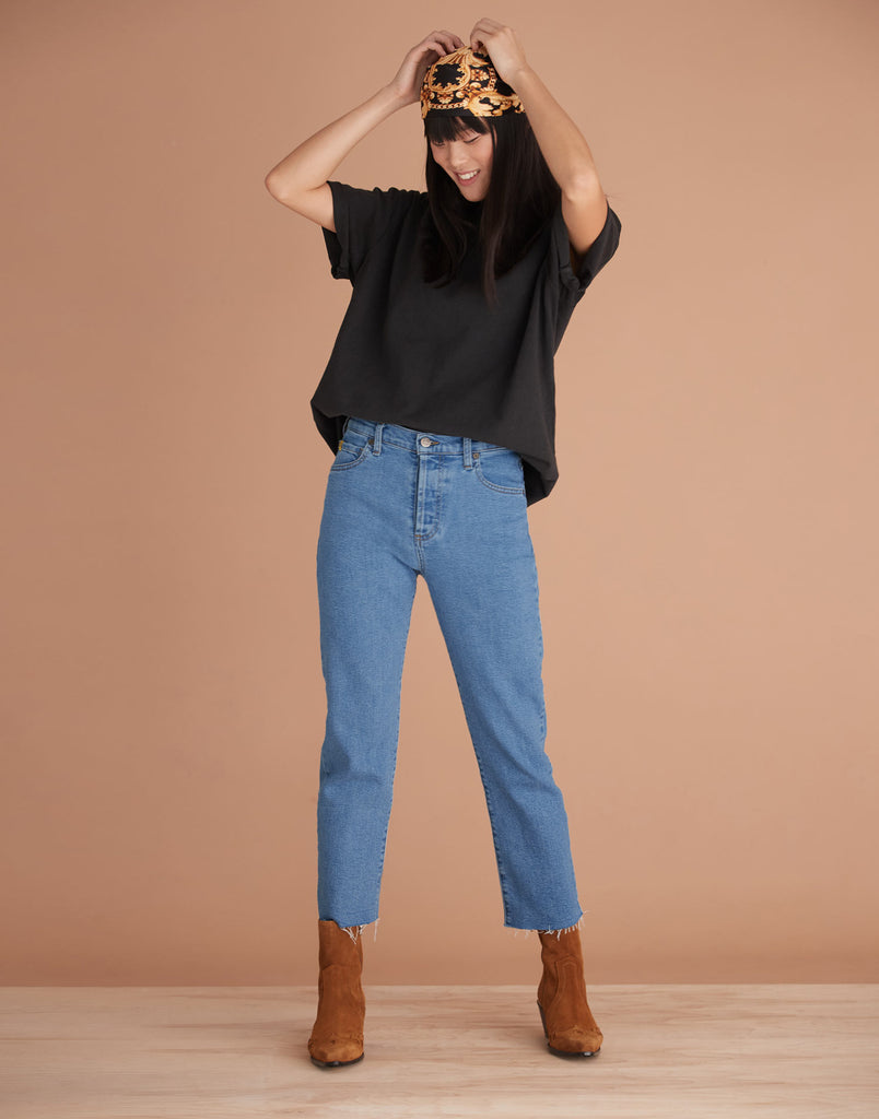 Chloe Straight Classic Rise Jeans Coco Yoga Jeans