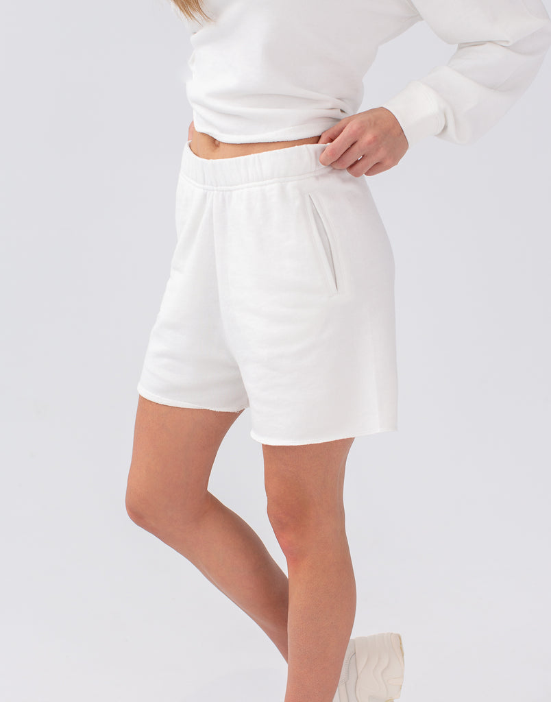 RELAXED SHORTS  /  MARSHMALLOW