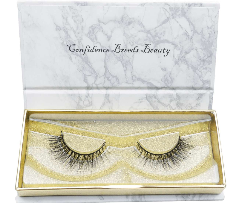 Buy 'CHILIN WITH NO MAKEUP ON' 3D Mink Lashes | Essence Couture (Box)