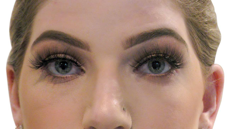 Buy Handmade 'ESSENTIALS' Cruelty-Free 3D Lashes | Essence Couture (Model Close)