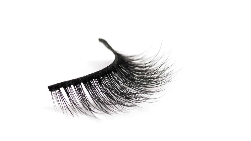 Buy 'THE 6IX' 3D Mink Strip Lashes - Cruelty Free | Essence Couture (Lash)