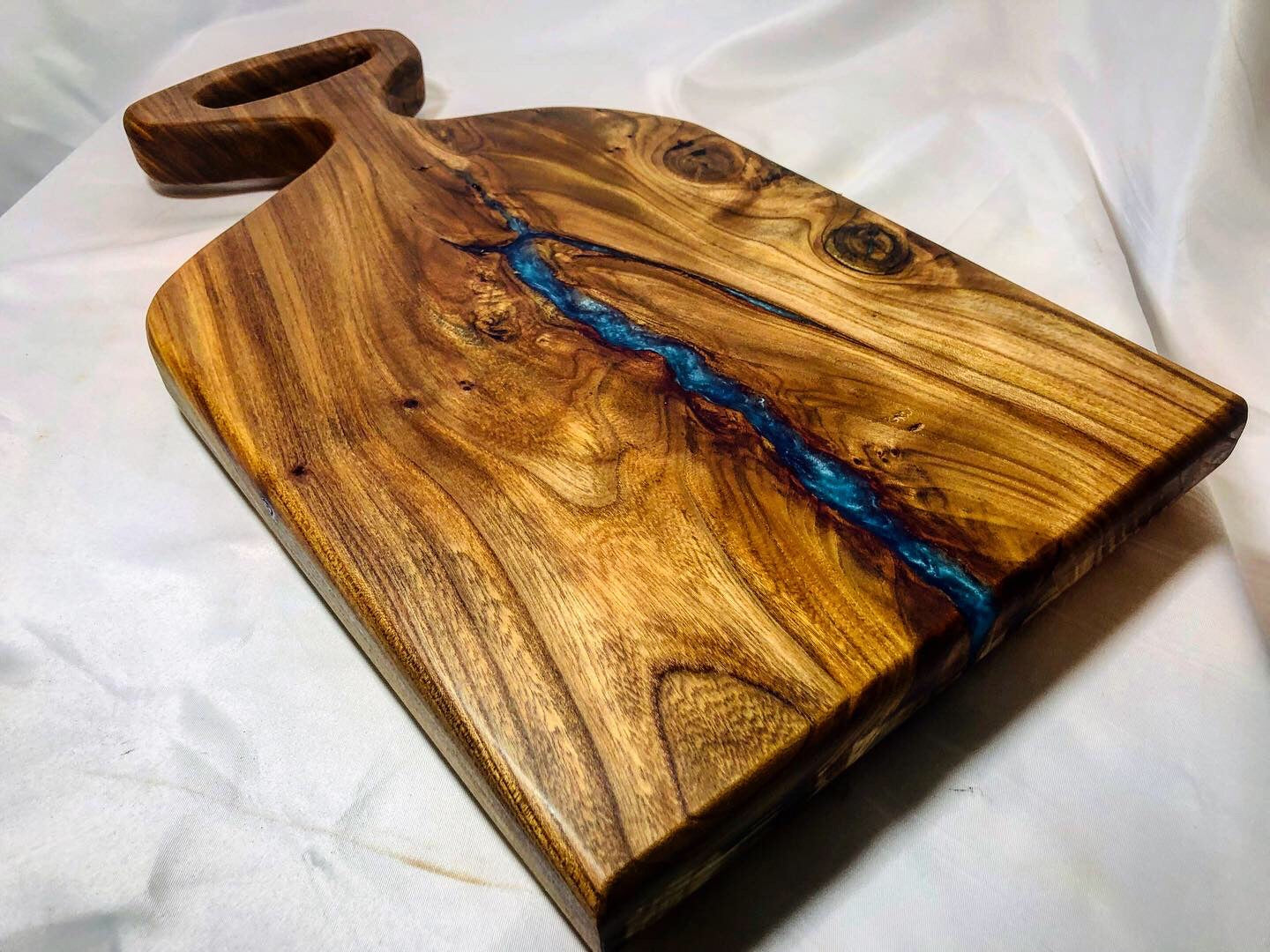 Reclaimed Elm Charcuterie Board / Serving board