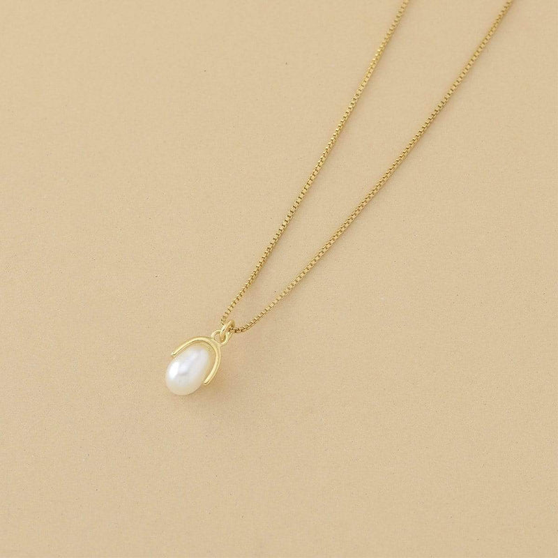 14k gold vermeil with Pearl pendant Necklace
