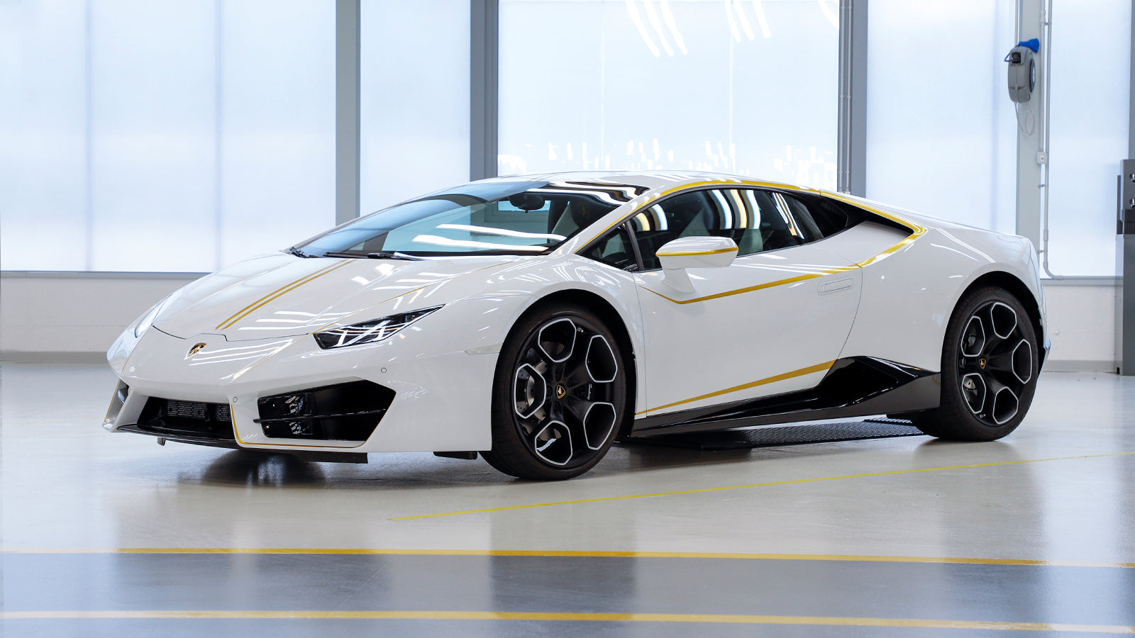 Win A One Of A Kind Lamborghini Blessed And Signed By Pope Francis