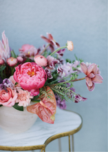 Load image into Gallery viewer, Large Designer's Choice, Seasonal Arrangement