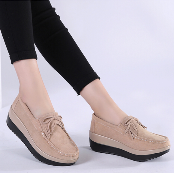 Large Size Thick Bottom Rocking Platform Single Shoes