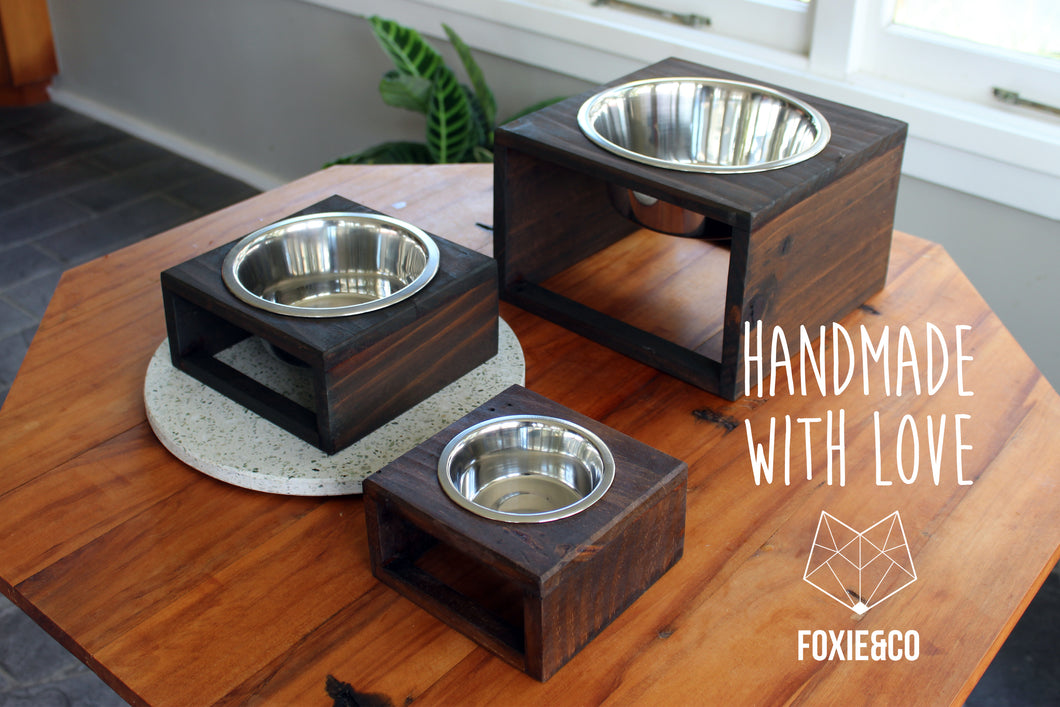 Reclaimed wood pet feeder