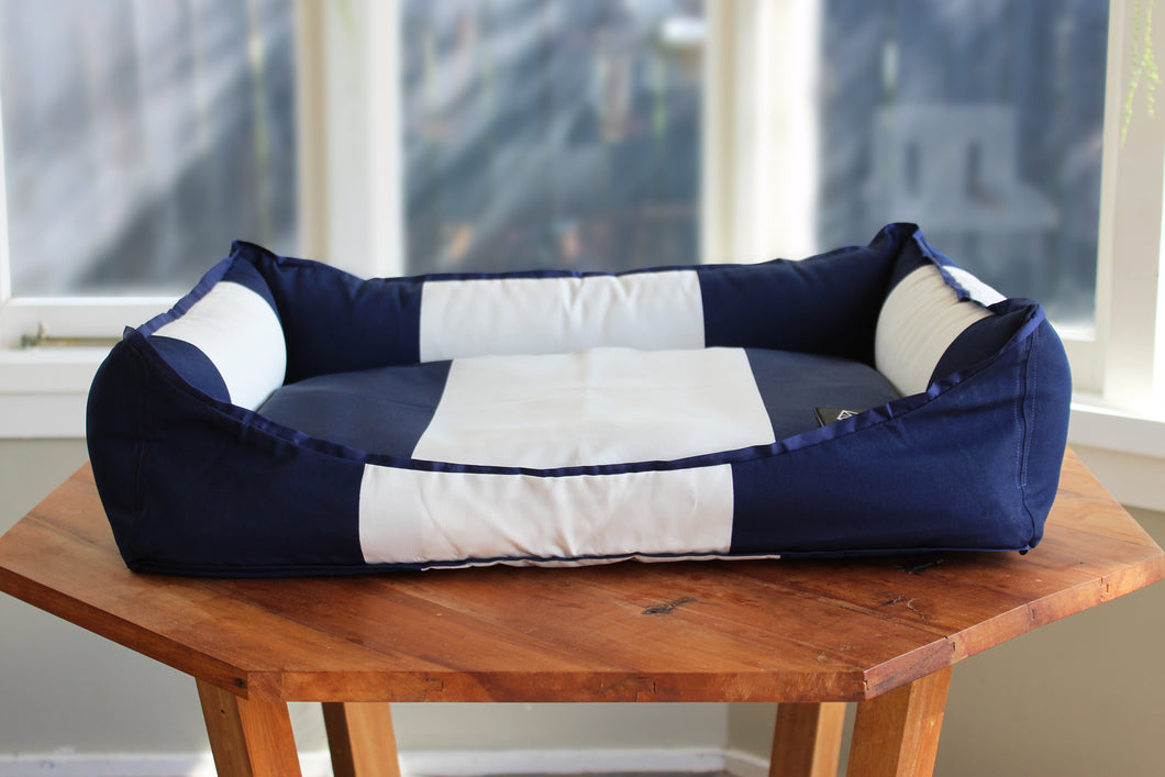 FOXIE&CO Nautical Pet Bed