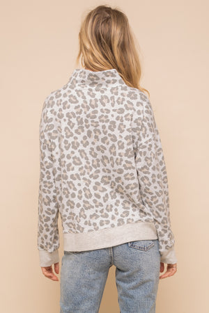 Load image into Gallery viewer, Hem & Thread Leopard Sweatshirt