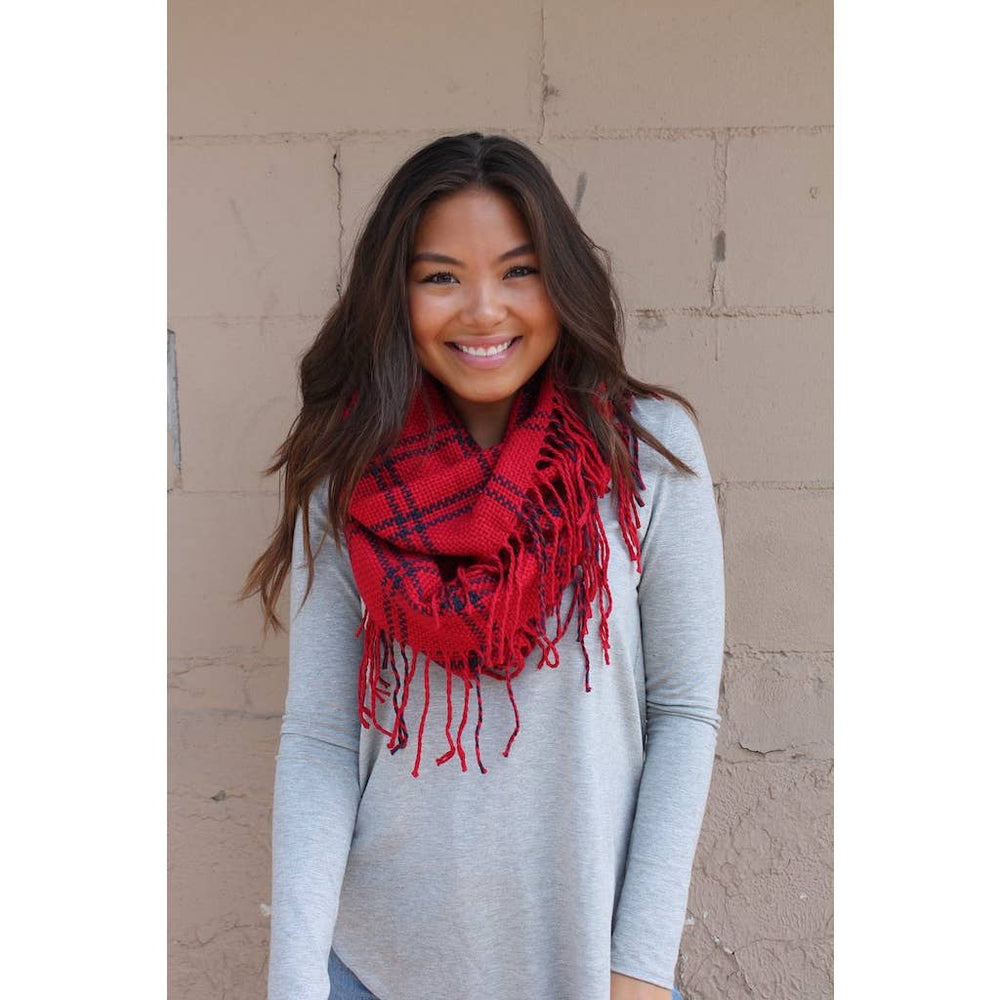 Load image into Gallery viewer, Red infinity fringe scarf