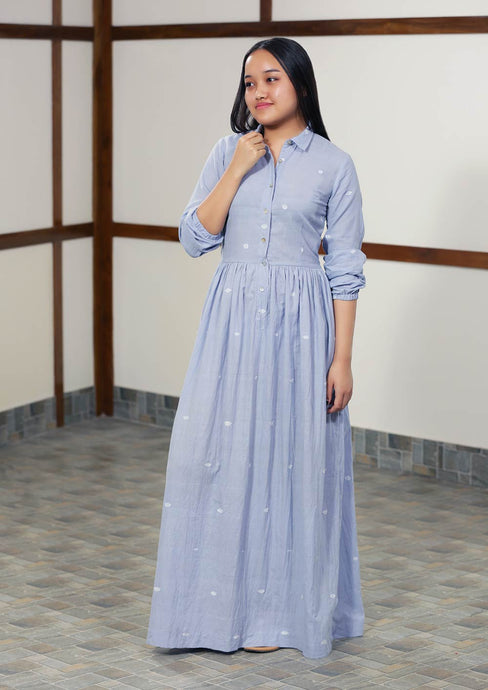 Long maxi dress with collar and all over kabok chaibi motif. Featuring a gathered seam at the waist
