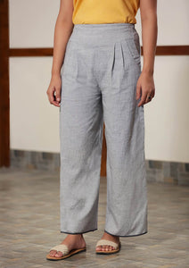 Wide-leg trousers with front pleats