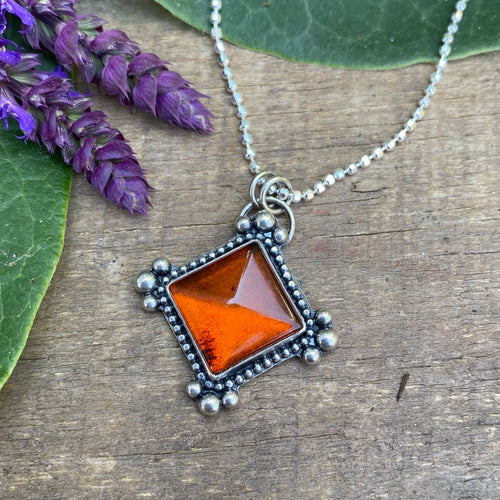 Baltic Amber Pyramid Necklace / 19""