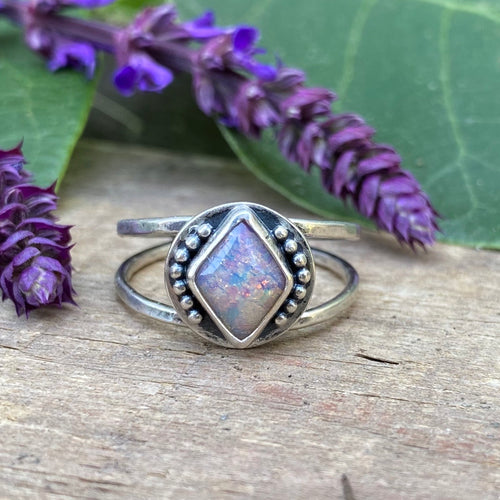 Vintage Glass Ring / Size 7.5-8
