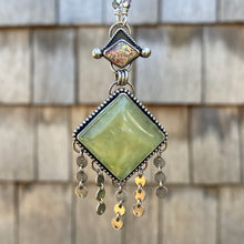 Load image into Gallery viewer, Vintage Glass & Yellow Prehnite Long Necklace / 26""