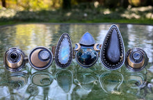 Load image into Gallery viewer, Moonstone Moon Phase Ring / Size 9-9.25