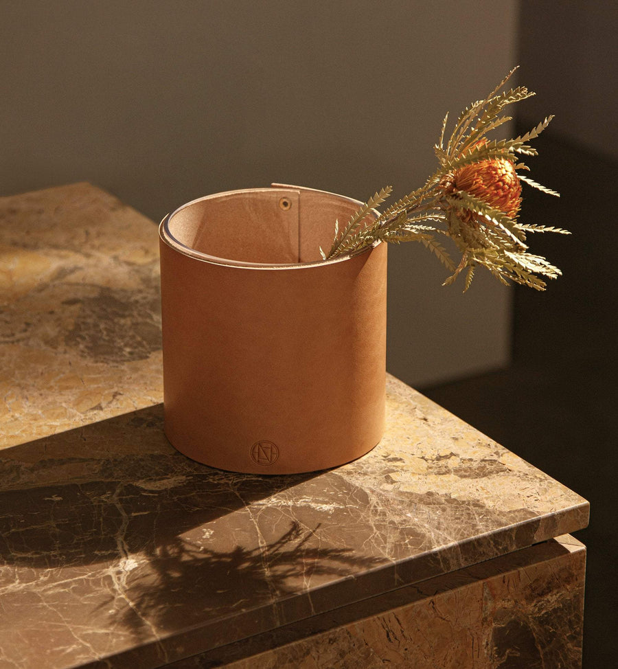 Signature Vase - Natural Leather