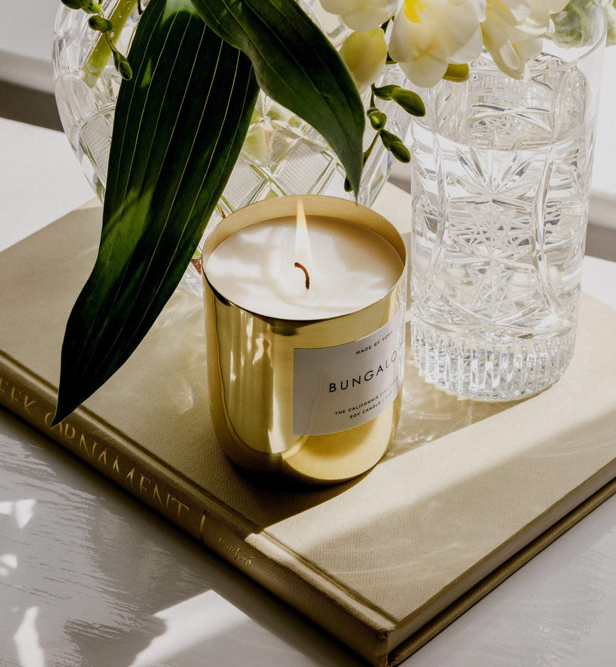 Bungalow scented candle in brass vessel