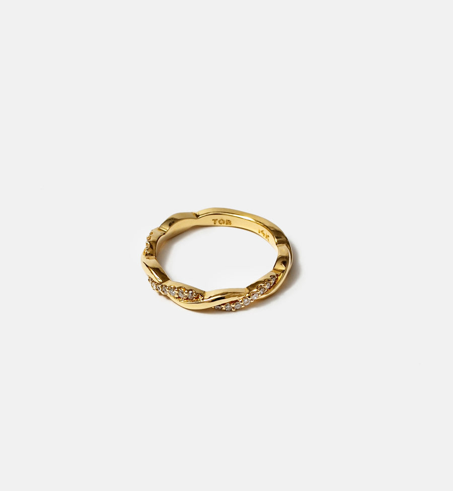 Cadine diamond 14kt solid gold in intertwined design ring