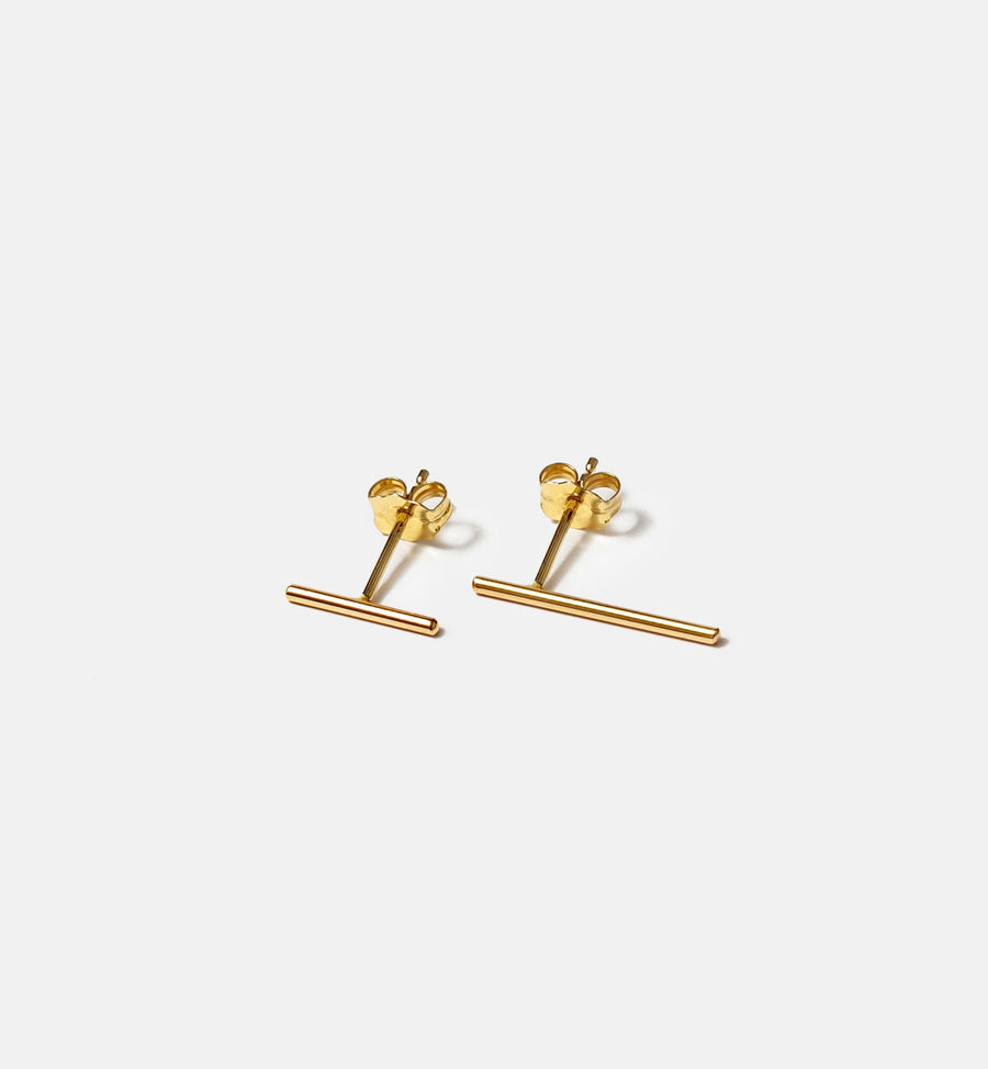 Cadine asymmetrical bar 14kt solid gold stud earrings