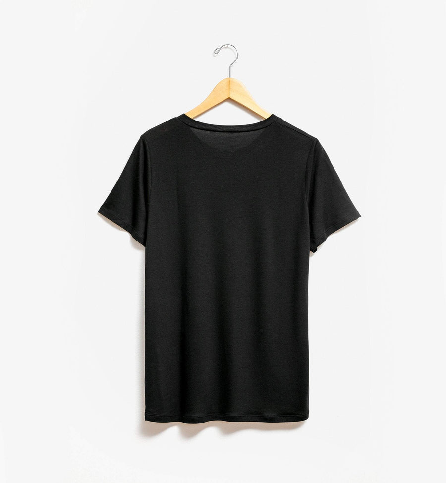 Black t-shirt by Tru.